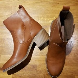 NWOT Brown Mossimo Ankle Boots 8.5